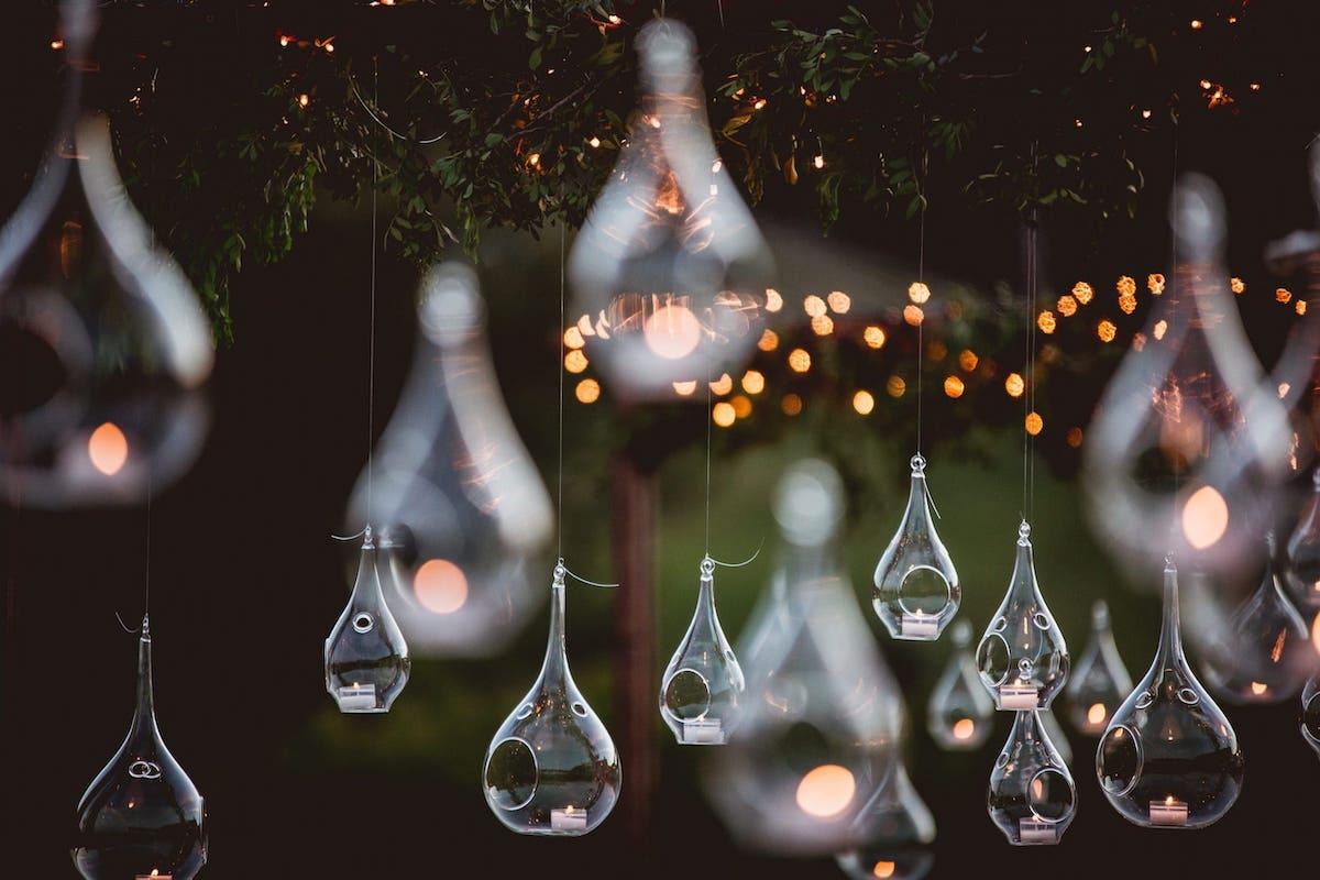 charming lighting wedding garlans and candels