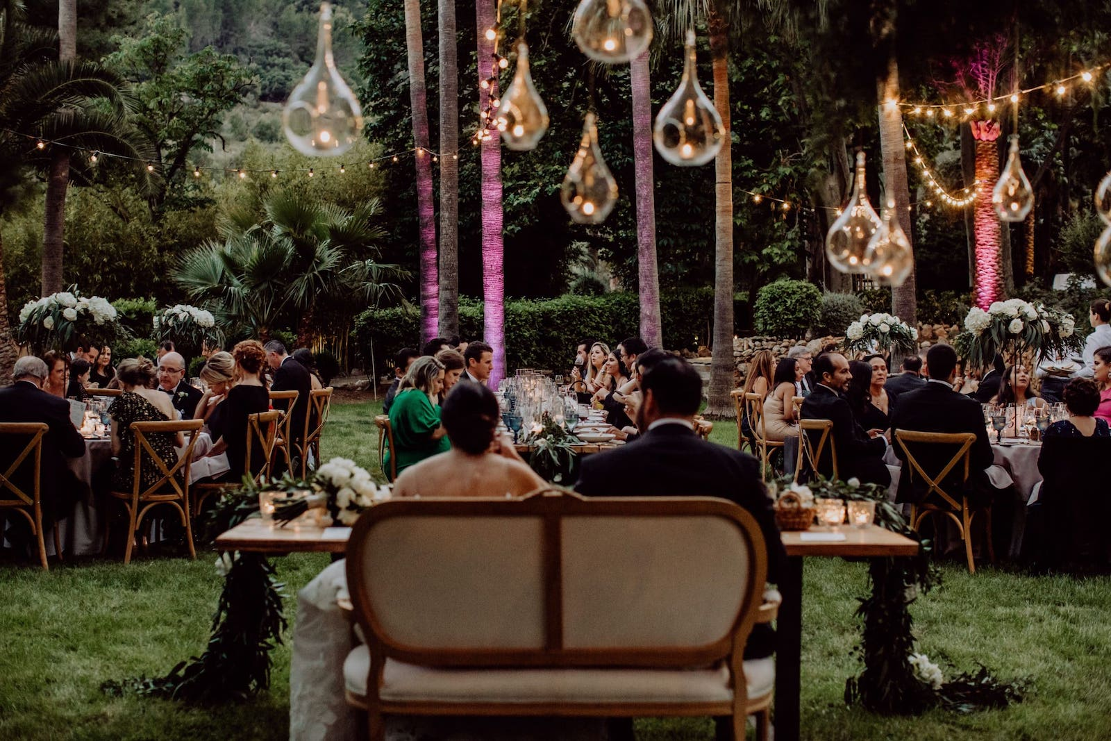 wedding decoration with mountain views at Jardines de Alfabia in Mallorca