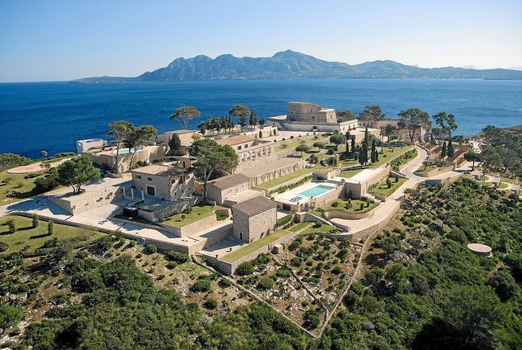 Exclusive wedding location by the sea in Pollensa