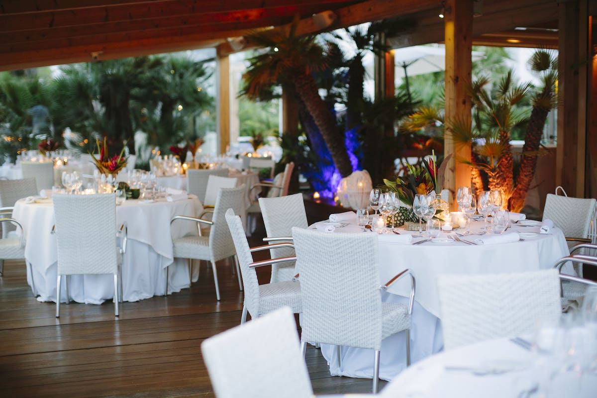 beach club table setting for wedding by the sea in Alcudia Mallorca