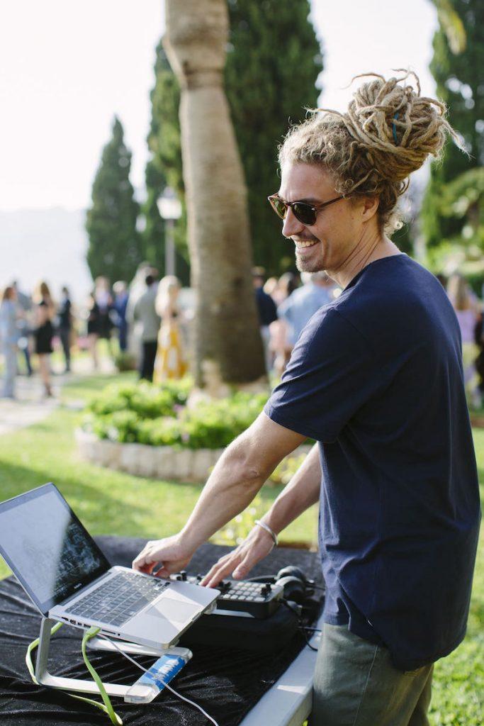 sesión de música dj para boda y evento en la fortaleza de Pollensa, Mallorca