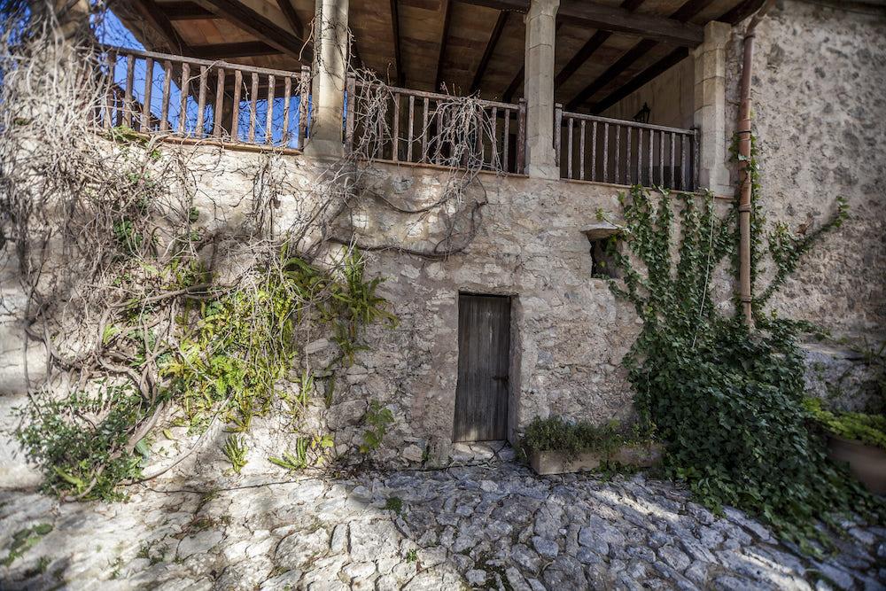 Ceremonia en los viñedos de Mortitx para bodas rústicas en la Sierra de Tramuntana Mallorca