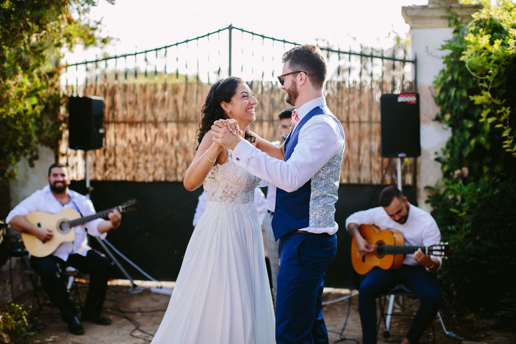 life music band for wedding in rustic venue in Alaiar Mallorca
