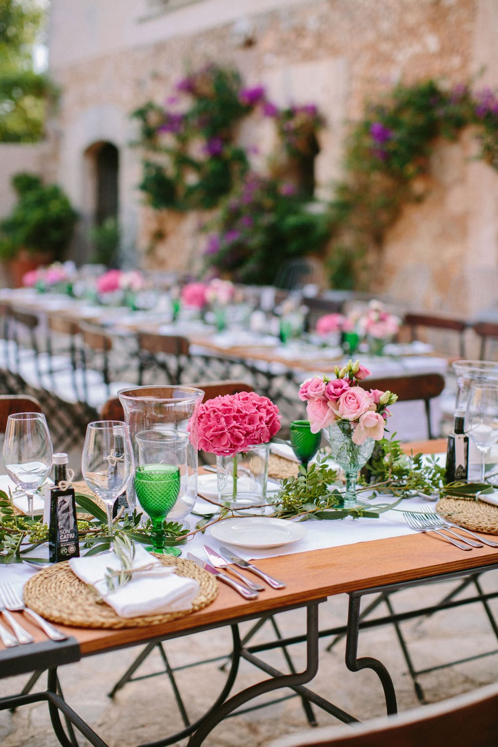 decoración floral, regalo de boda, montaje rústico para boda en la finca alaiar Mallorca