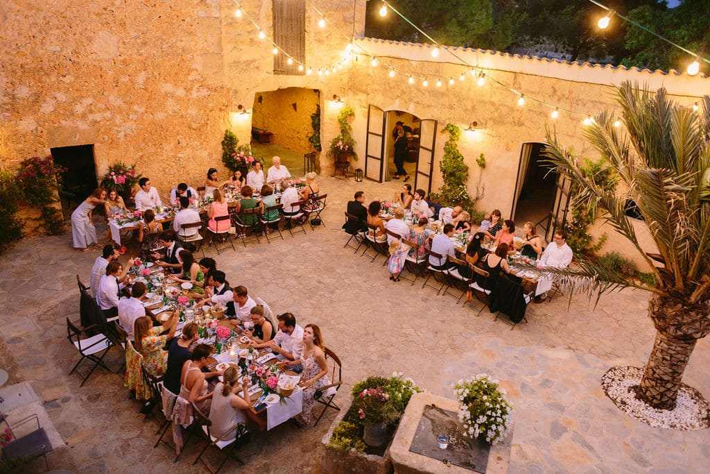 Majorcan courtyard with rustic decoration and relaxed vibe in Alaiar Mallorca