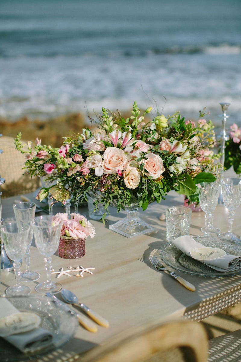 Setting table for wedding in Mallorca