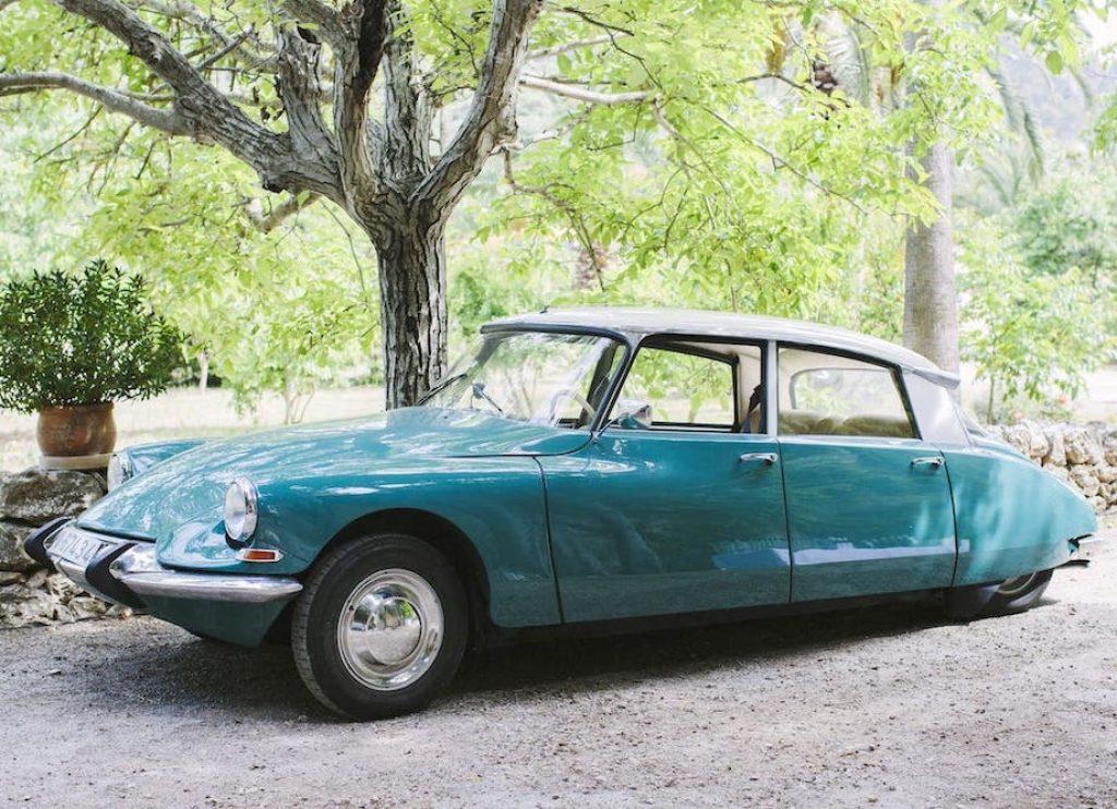 coche clásico de alquiler para bodas y eventos en Mallorca