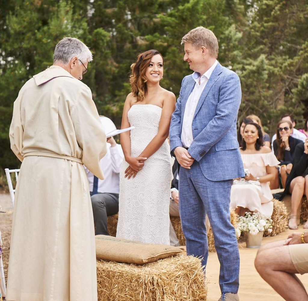 protestant ceremony in a rustic setting at Arta Mallorca
