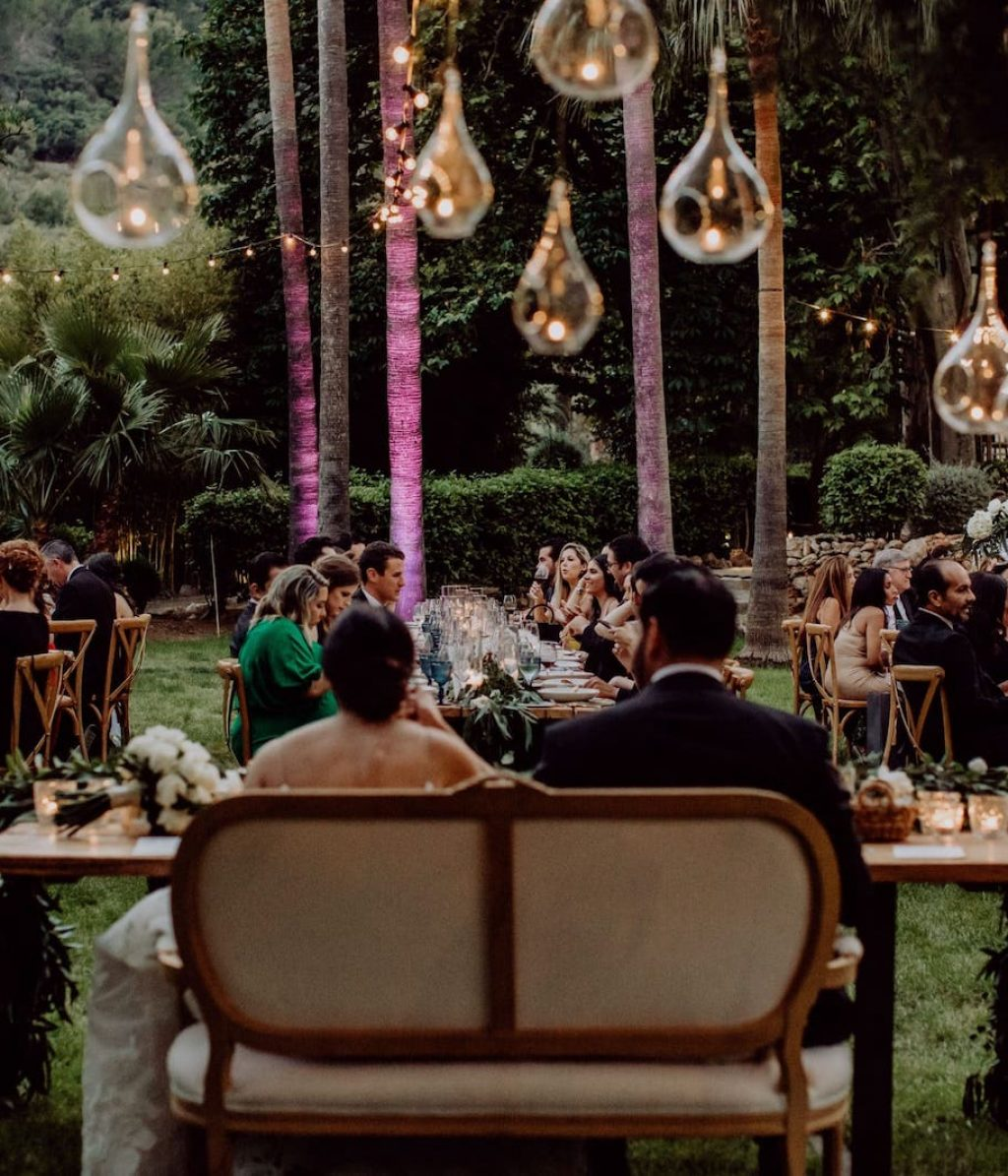 wedding decoration with mountain views at Jardines de Alfabia in Mallorca