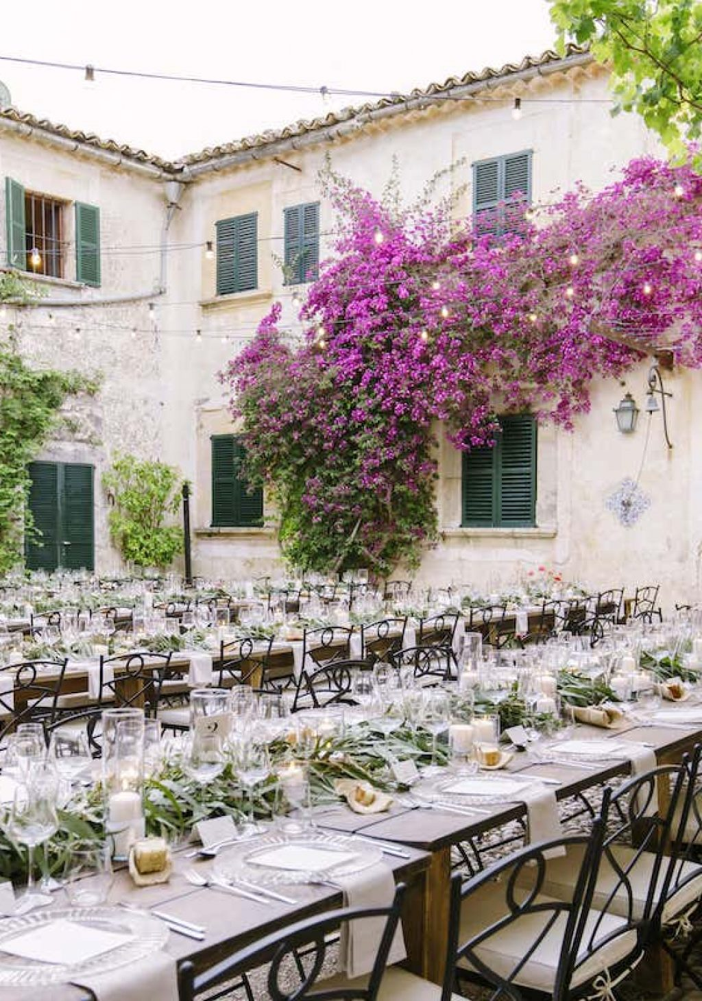 Mallorcan courtyard for wedding decoration in es fangar