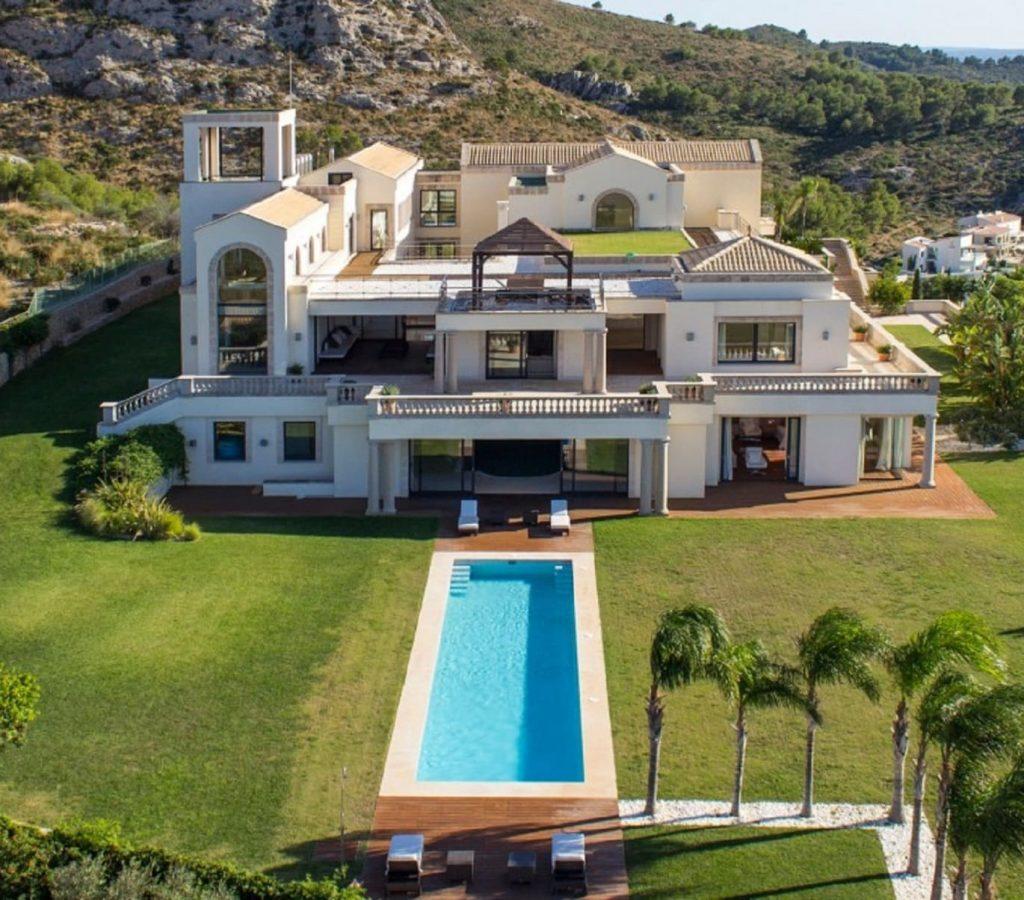 Luxury wedding destination in bonaire for event at Mallorca