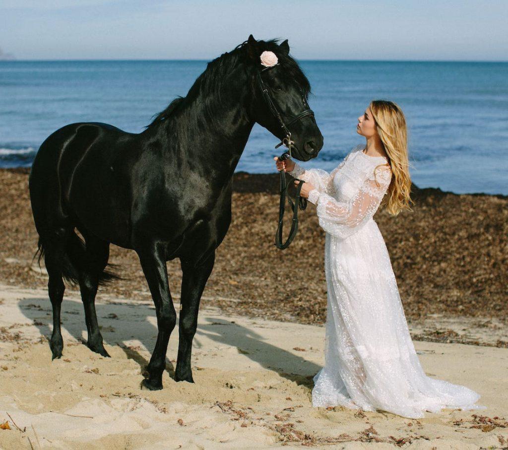 ideas de vestidos de novia por una wedding planner para bodas en can picafort mallorca